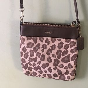 Coach cheetah print crossbody bag